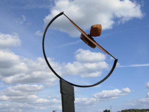 VERTIGE DU PRINTEMPS / SPRING DIZZINESS, bois et métal, 158cm x 65cm x 25cm