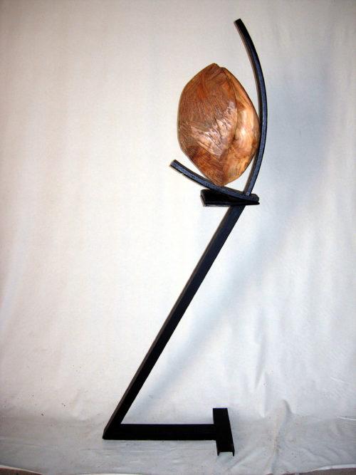 LANCE NOIX / NUT LAUNCHER, bois et métal, 200cm x 60cm x 10cm