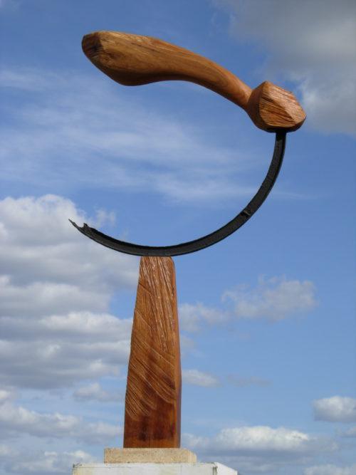 VOL EN CERCLE, bois et métal, 150cm x 60cm x 10cm