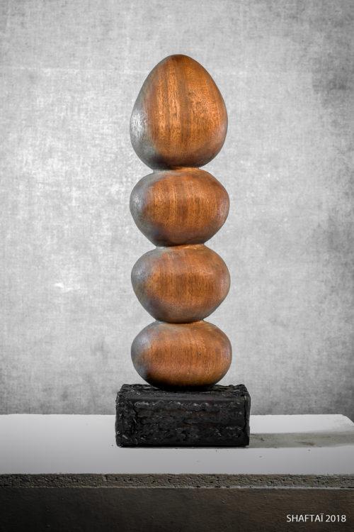 Temple: 40 cm x 13 cm x 10 cm